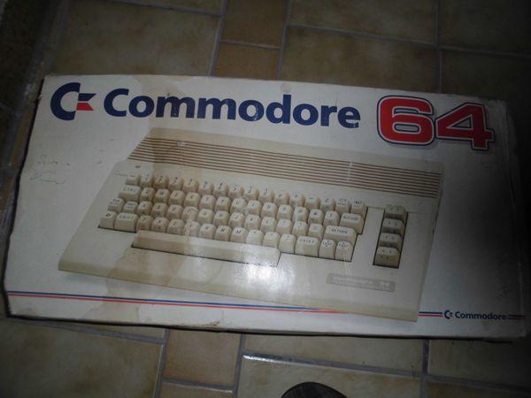 Commodore C 64 Personal Computer