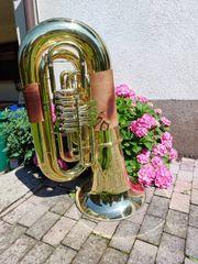 Tuba zu verkaufen