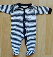 Baby-Schlafanzug Strampelanzug Gr 50 schwarz-weiß-gestreift