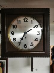 Alte Uhren und Uhren Ersatzteile