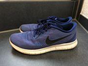Nike Free Herrenschuhe Größe 44