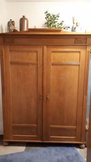 Antiken Schrank Fachmännisch restauriert