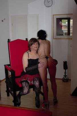 Sie sucht Ihn (Erotik) - TS Jannina aus Duisburg