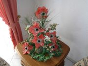 Großes Blumenaragement Mohnblumen