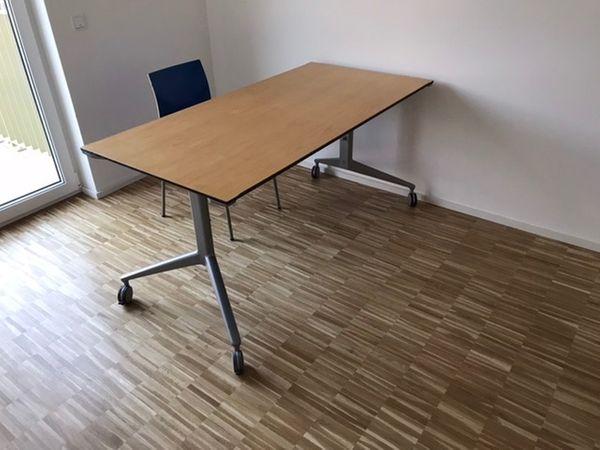 Schreibtisch Ahrend 22 höhenverstellbar