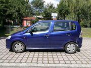 Daihatsu YRV blau EZ 03