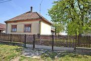 Haus in ruhigem Dorf mit