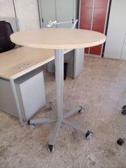 Desklift-Besprechungstisch buche VS Büromöbel Stehtisch