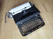 Wohnungsauflösung alte Schreibmaschine Royal Delux