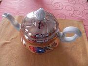 Kaffee - Teekanne mit Haube und