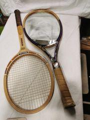 Tennisschläger als Spiegel und Schläger