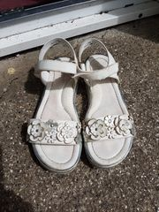 Sandalen weiß 32