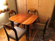 Tisch mit 4 Stühlen ungebraucht