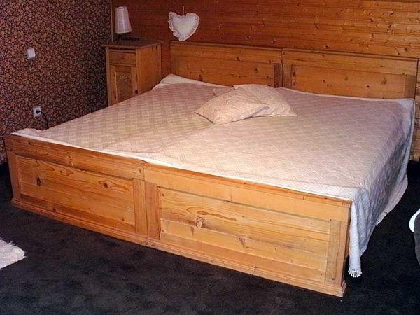 Echtes Bauern-Doppelbett aus hellem Weichholz