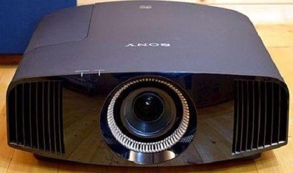 Sony VPL-VW500ES SXRD Projektor Beamer