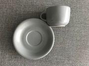6 Tassen mit passendem Untersetzter