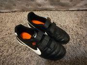 Nike Kinderfußballschuhe