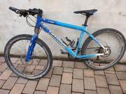 Mountainbike Connandale F700 blau
