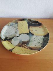 Großer Teller für Käse