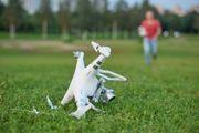Ich Reperiere Abgestürzte Drohnen für