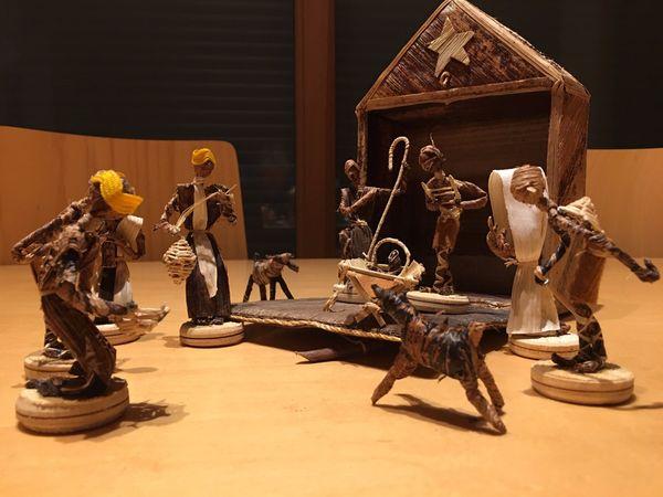 Weihnachtskrippe kunsthandwerklich aus Kenia