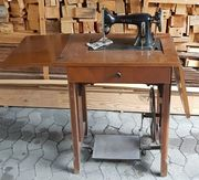 Nähmaschine mit Tisch Riemenscheibe u