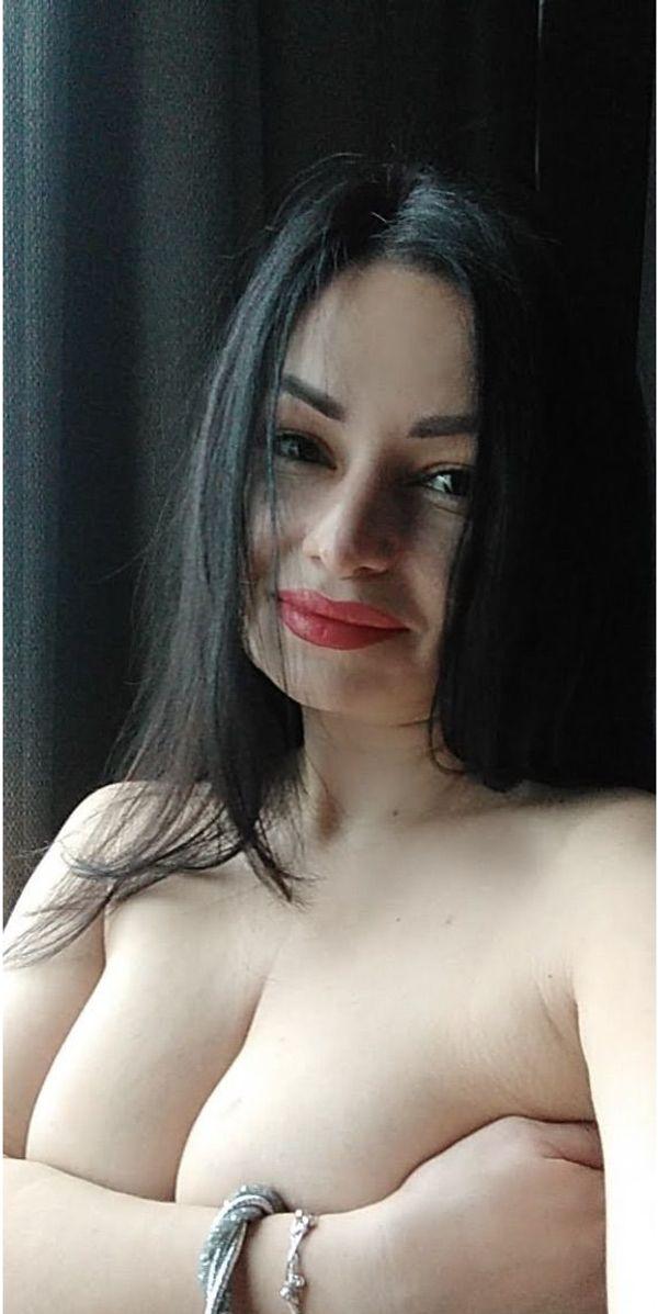 Hot Polina will Dich verwöhnen