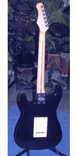Verkaufe E-Gitarre von Stagg S402: Kleinanzeigen aus Schotten - Rubrik Gitarren/-zubehör