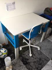 Schreibtisch für Grundschüler IKEA