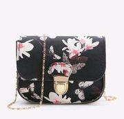 Neue schöne kleine Handtasche