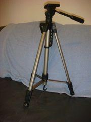Dreibeinstativ für Videokamera neuwertig sehr