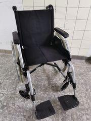 Rollstuhl aus Nachlass