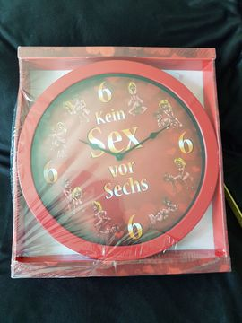 Uhren - Erotika Wanduhren 30 Stück 30cm