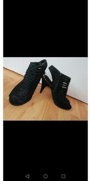 getragene hohe Schuhe gr38