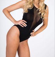 Sexy Body mit Netzeinsatz