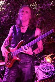 Hobby Bassist sucht Rock Cover