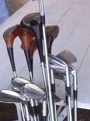 Golfschläger mit Ledertasche