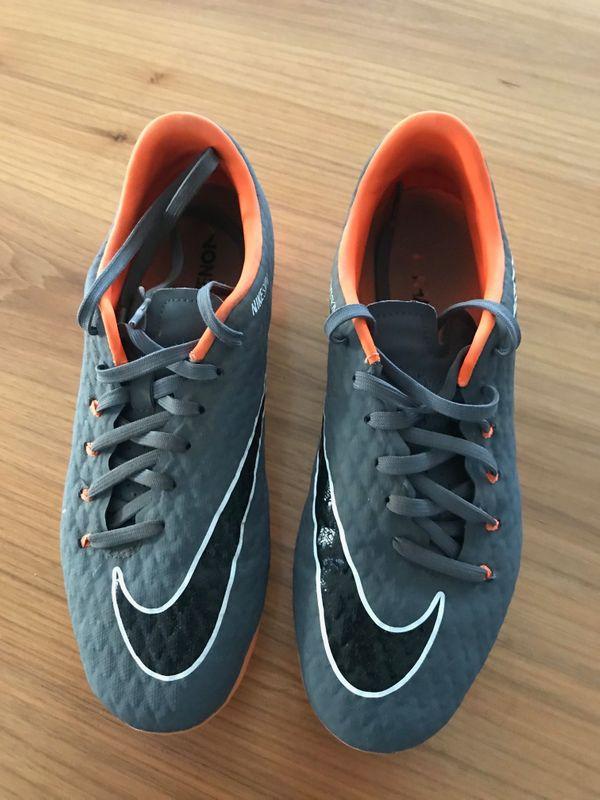 Nike Fußballschuh Größe 39