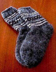 Handgestrickte kuschelige Wollsocken aus 100