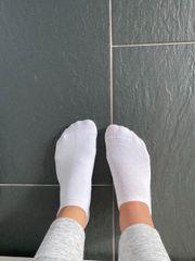 Socken weiss getragen