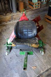 Weinbau Stocklaub entfernen Maschine Hilfe