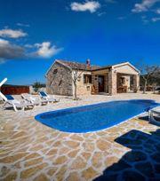 Ferienhaus mit Pool in Stankovci