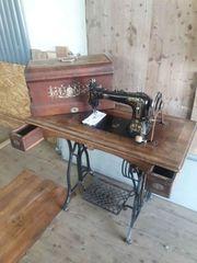 Antike Nähmaschine zu verkaufen