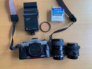 Minolta X300 Spiegelrelfexkamera incl 2