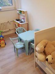 Kinder Tisch und Stühle