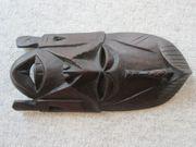 Afikanische Holzmaske handgeschnitzt