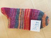 Handgestrickte Socken für Damen und