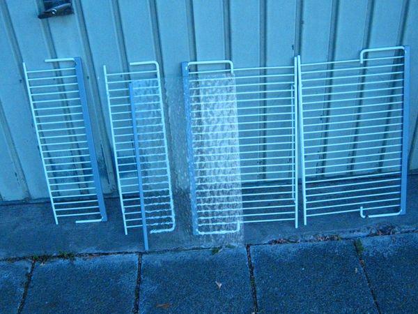 Gitter und Glaseinsätze von Einbaukühlschrank