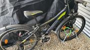 Schwarz-neongelbes Mountainbike Technobike 24