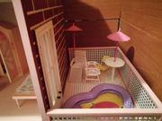 Holz Puppenhaus vom Tischler gebaut